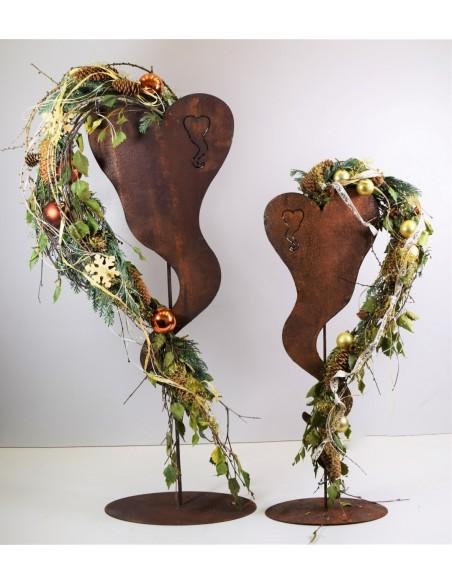 romantische Gartendeko als Herz für Blumen