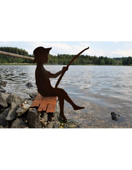 """Großer Angler """"Finn""""  Deko Edelrost zB. für Bachlauf oder Gartenteich"""