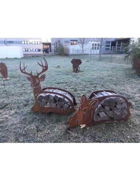 Holzregal liegender Hirsch Edelrost Deko für Kaminholz und zur Gartendeko