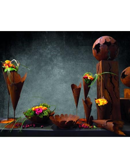 Saremo Schalen Kugeln und Rostsäulen mit rissen - Pflanztüten Edelrost