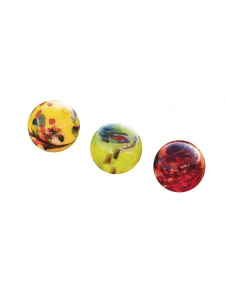 Glaskugeln in den Farben Gelb, Hellgrün und Rot