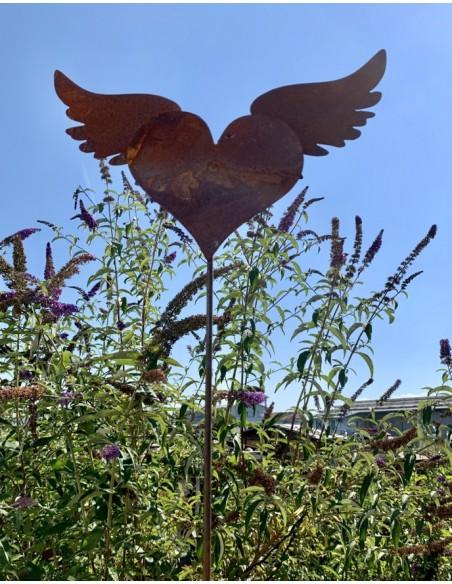 geflügeltes Herz Gartendeko