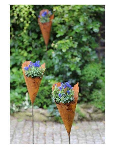 Gartenstecker zum Bepflanzen Rost Metalltüte 30 cm hoch auf Stab - Gartenfackel und Pflanztüte lässt sich bepflanzen oder z.b. m