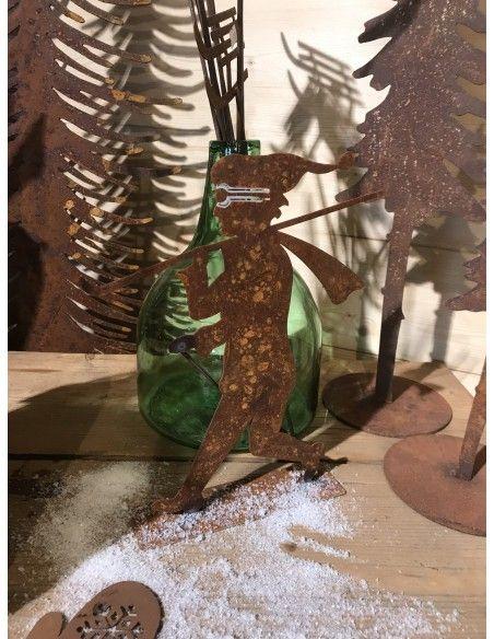 Allgäu Deko Skigeher (klein) 28 cm hoch wunderschöne winterliche Deko im Almhütten und Apre Ski Stil - passt perfekt auf Fenster