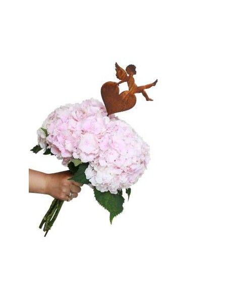 Putten Engel und Engelskinder (Putto) Engelsputte auf Herz sitzend als Gartenstecker 16 cm hoch  Höhe 16 cm Breite 15 cm zzgl