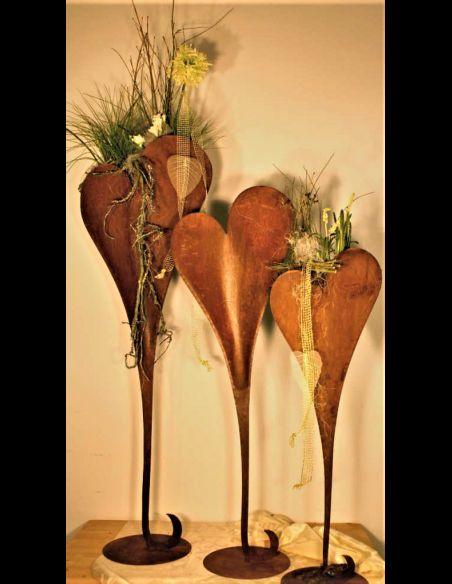 Herzige Dinge - Edelrost Dekoherzen Edelrost Herzständer zum Bepflanzen auf Platte 112 cm hoch - Pflanzherz  Höhe: 112 cm Brei
