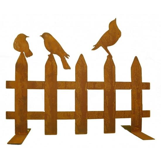 Edelrost Zaun mit Vögeln - atmosphärische Abtrennung für einen herrlichen Garten