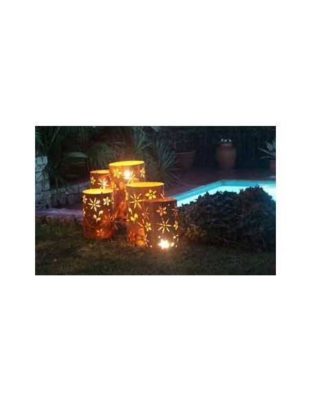 Frühlingsdeko Metall Windlicht Blüten Motiv Höhe 35 cm, Ø 22cm  Schönes wetterfestes Gartenwindlicht mit einem sommerlichen Blü