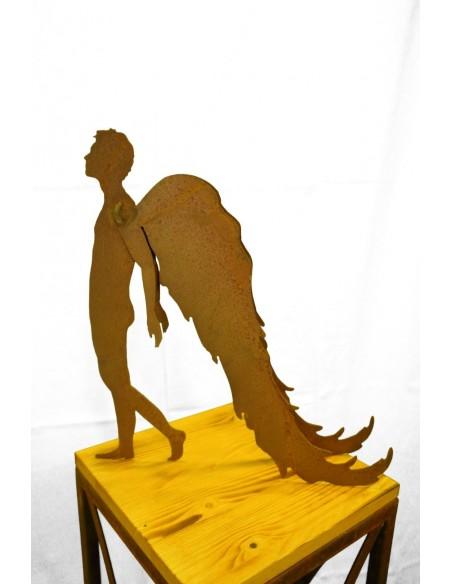 männlicher Engel Figur Metall
