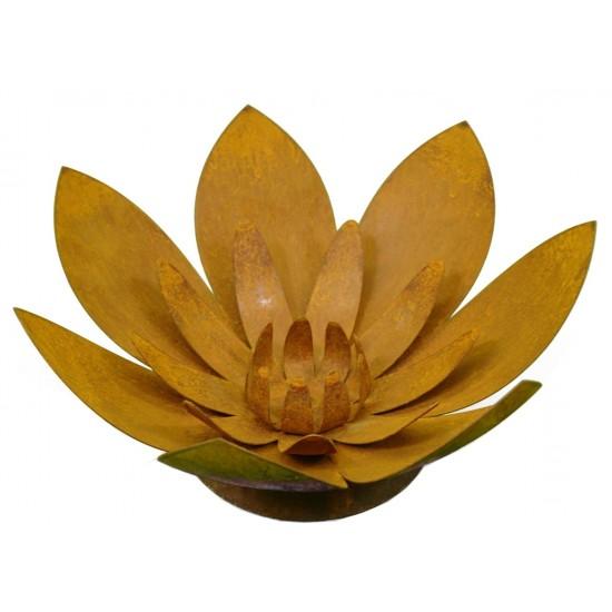 Edelrost Blüte auf Platte