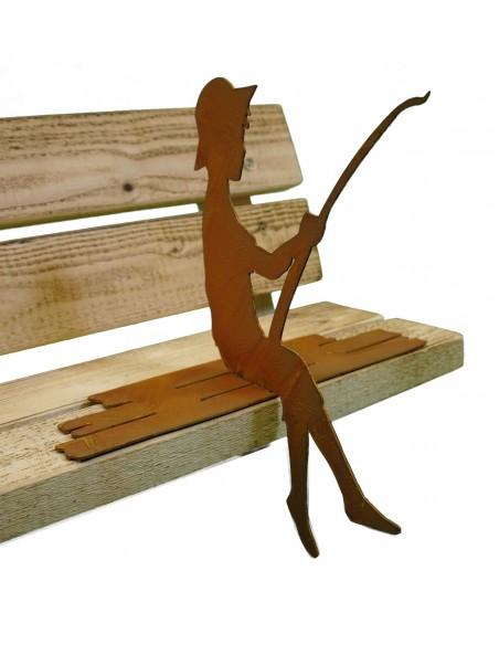 """Kleiner Angler """"Finn"""" auf Steg sitzend als Kantenhocker, Gartendekoration"""