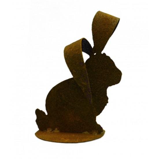 Hase mit großen Ohren auf Platte
