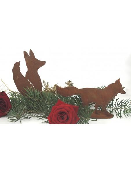 kleiner Mini Rost Fuchs laufend auf Platte