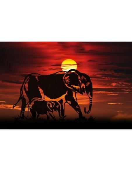Deko Elefant vor untergehender Sonne