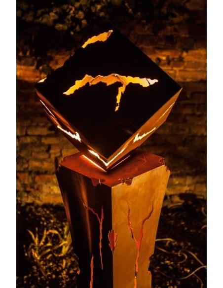 taillierte Säulen Mystik Set: Säule plus Würfel Säule Mystik mit passendem Würfel Das Wechselspiel von Feuer und Licht erzeugt e