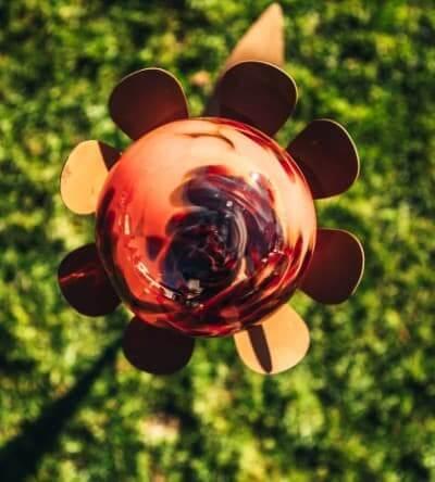 Rote Glaskugel für den Garten und für Glasblumen kaufen